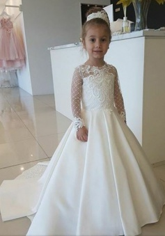 A-Line Round Neck White Flower Girl Dress with Lace Appliques Sleeves