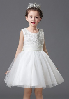 A-Line Round Neck White Flower Girl Dress with Appliques