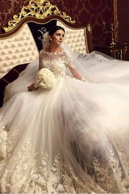 Stunning 2018 Royal Wedding Dresses Vintage Long Appliques Sleeved ...
