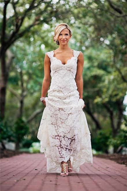 Elegant full lace wedding dress 2018 open back sleeveless summer elegant full lace wedding dress 2018 open back sleeveless summer wedding gowns wisebridal junglespirit Gallery