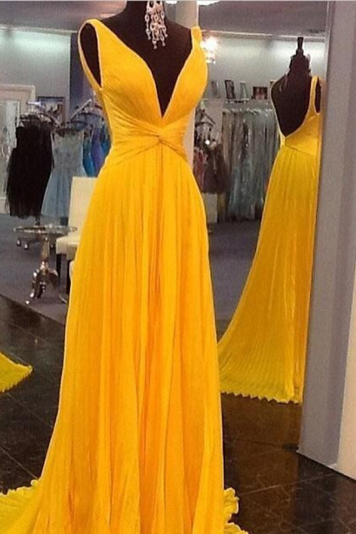 81730458a4da Elegant V-neck Sleeveless Floor-Length Ruched Chiffon Prom Dress ...