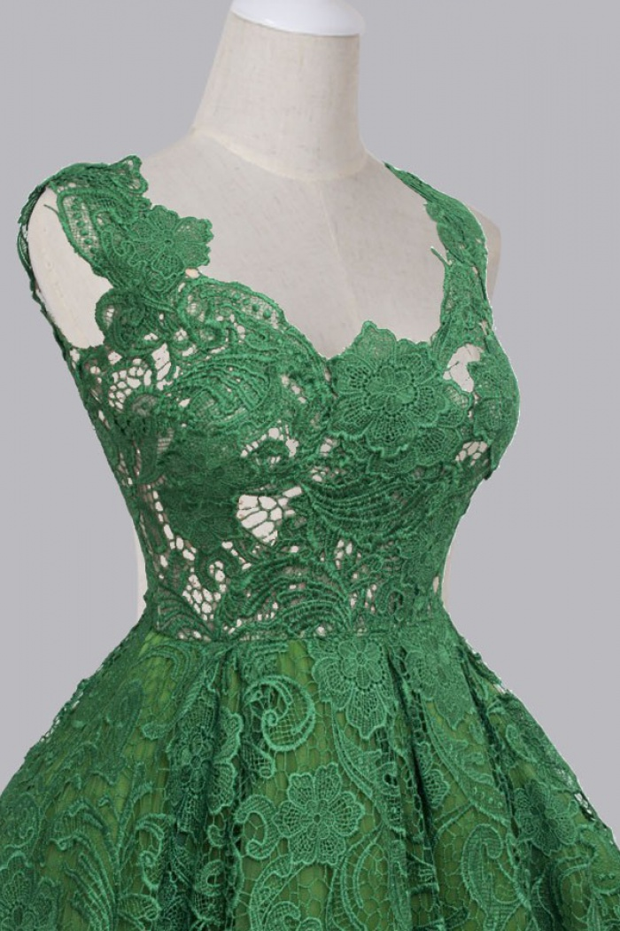 191e65774eb Vintage A-line Scoop Sleeveless Red Green Backless Lace Knee-Length Prom  Homecoming