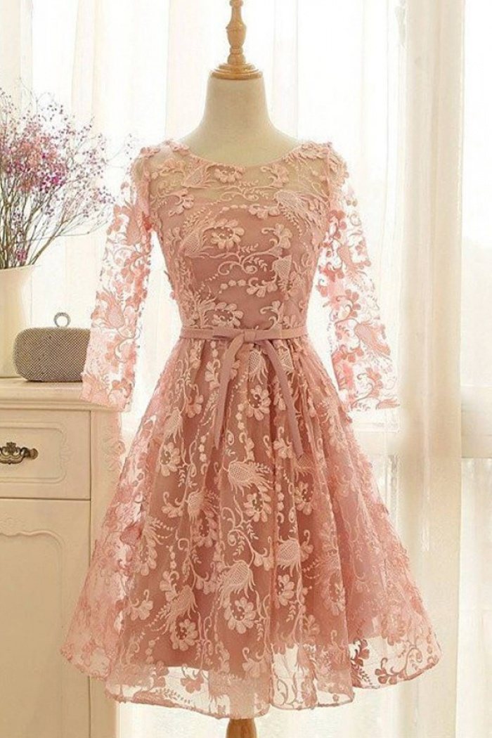 Knee Length Lace Homecoming Dresses with Sleeves