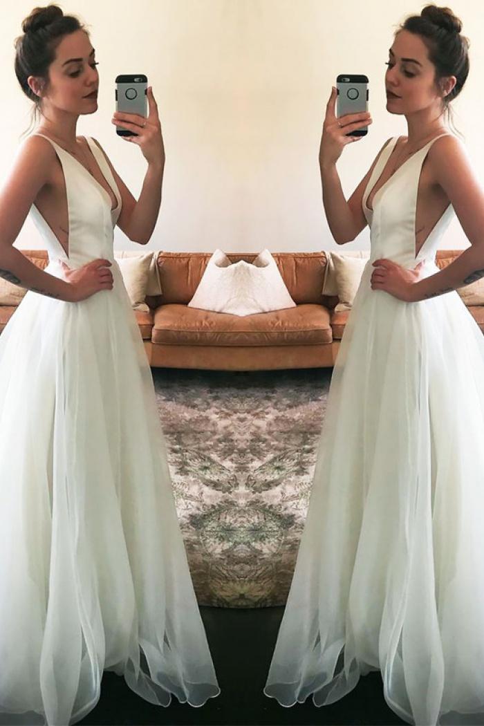 Newest Wedding Dress.Newest Sweep Train Sleeveless A Line White Straps V Neck Wedding Dress