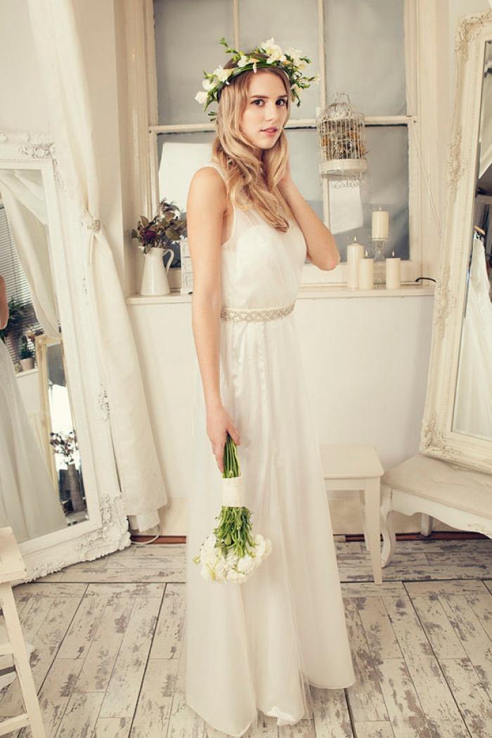 V-Neck Tulle Floor Length 2018 Bridal Gowns Sleeveless Bowknot Floor ...