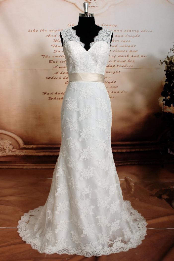 Sheath V Neck 2018 Lace Wedding Dresses Sleeveless Bowknot Bride Dress With Sash Wisebridal Com