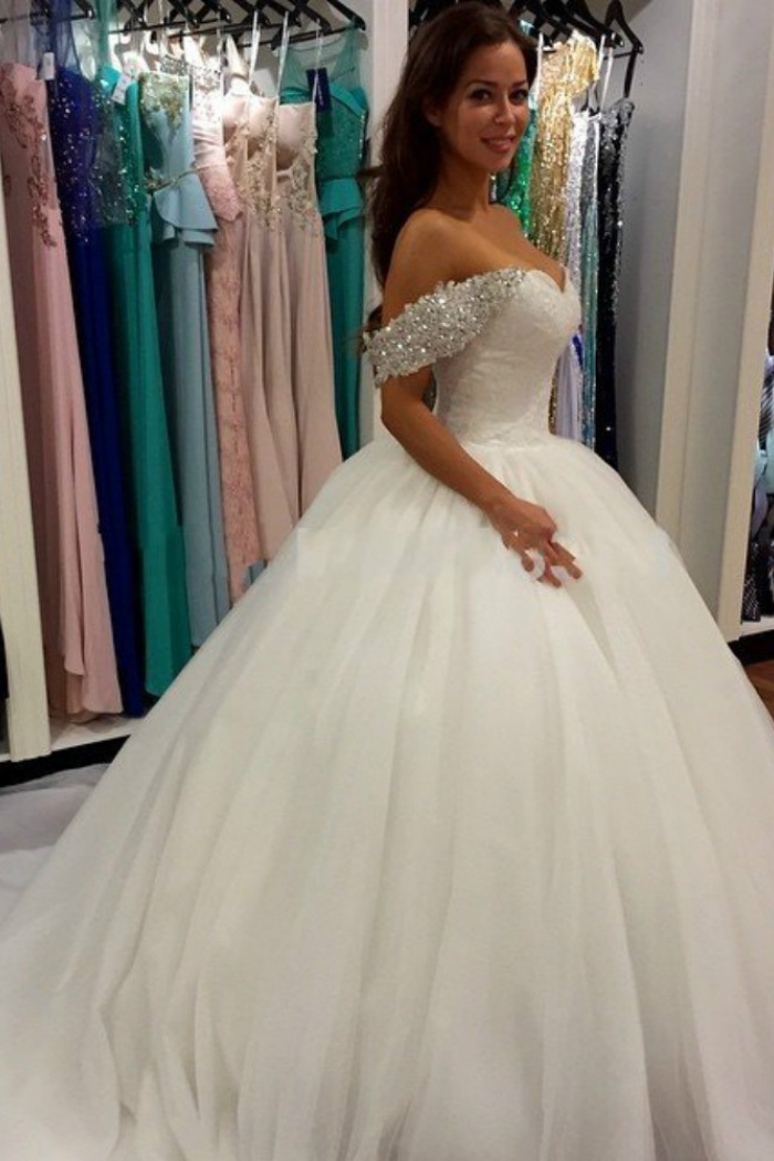 b136252a68 2018 Off Shoulder Ball Gown Wedding Dress Sweeheart Crystals Wedding Gowns
