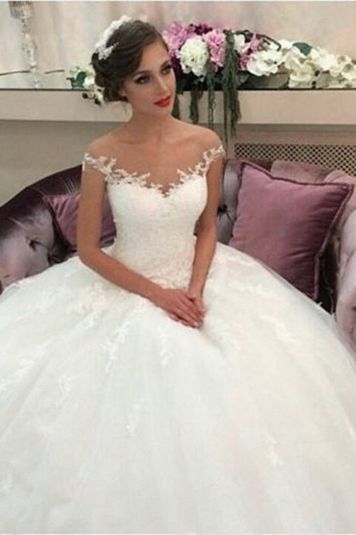 b9e19b49c2 2018 Lace Ball Gown Wedding Dresses Puffy Tulle Princess Bride Dress