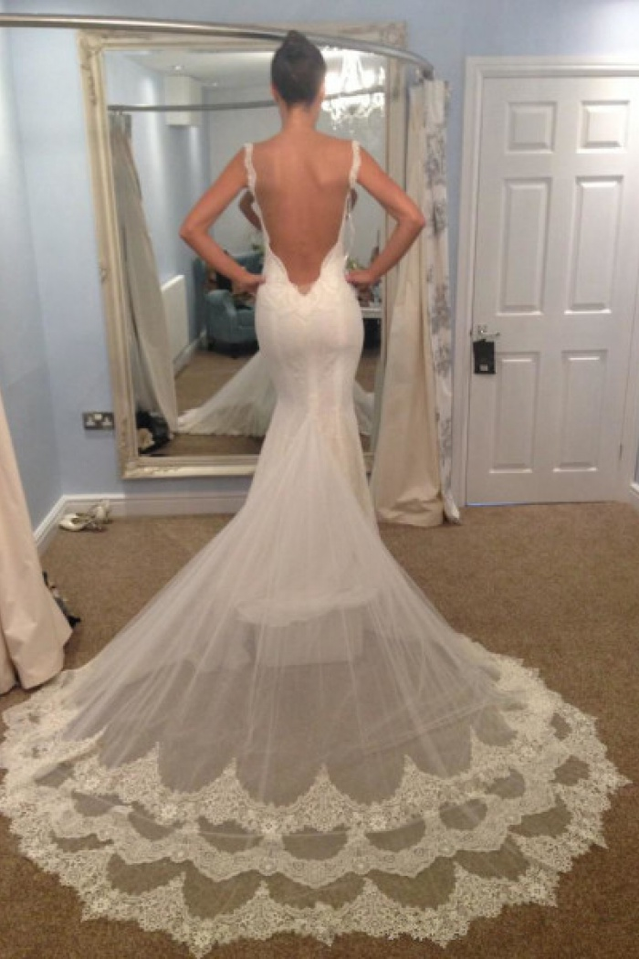 Vintage Spaghetti Strap Mermaid Backless Bridal Gown Y Trumpet Lace Plus Size Wedding Dress 1