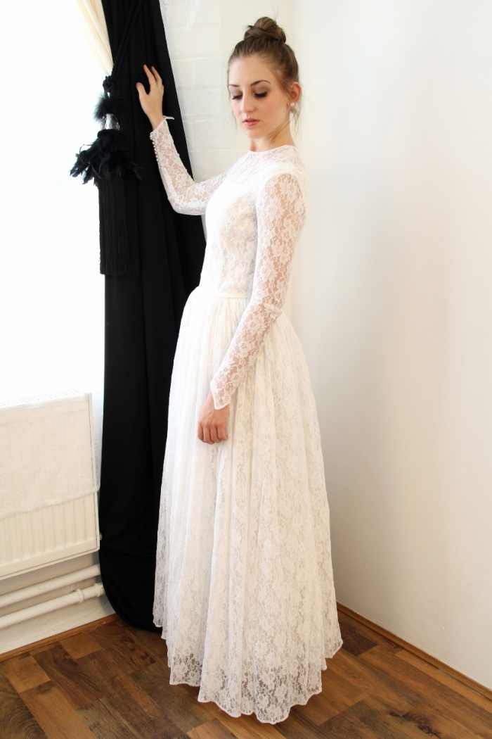Vintage A Line Lace Floor Length Wedding Dress Elegant Simple White Long Sleeve Bridal Gowns