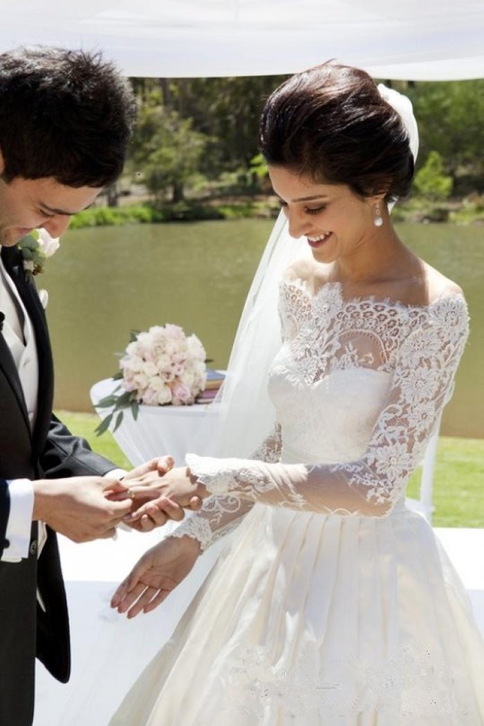 Vintage Long Sleeve Off Shoulder Wedding Dress New Arrival Custom