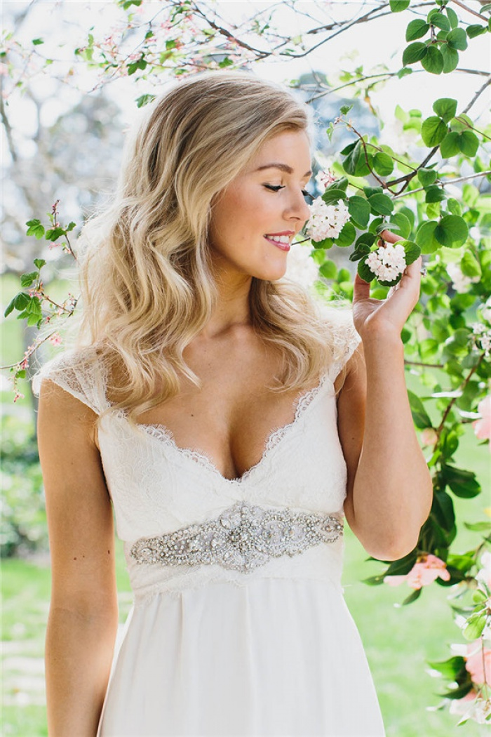 Simple Chiffon Lace Summer Wedding Dresses V Neck Empired Floor