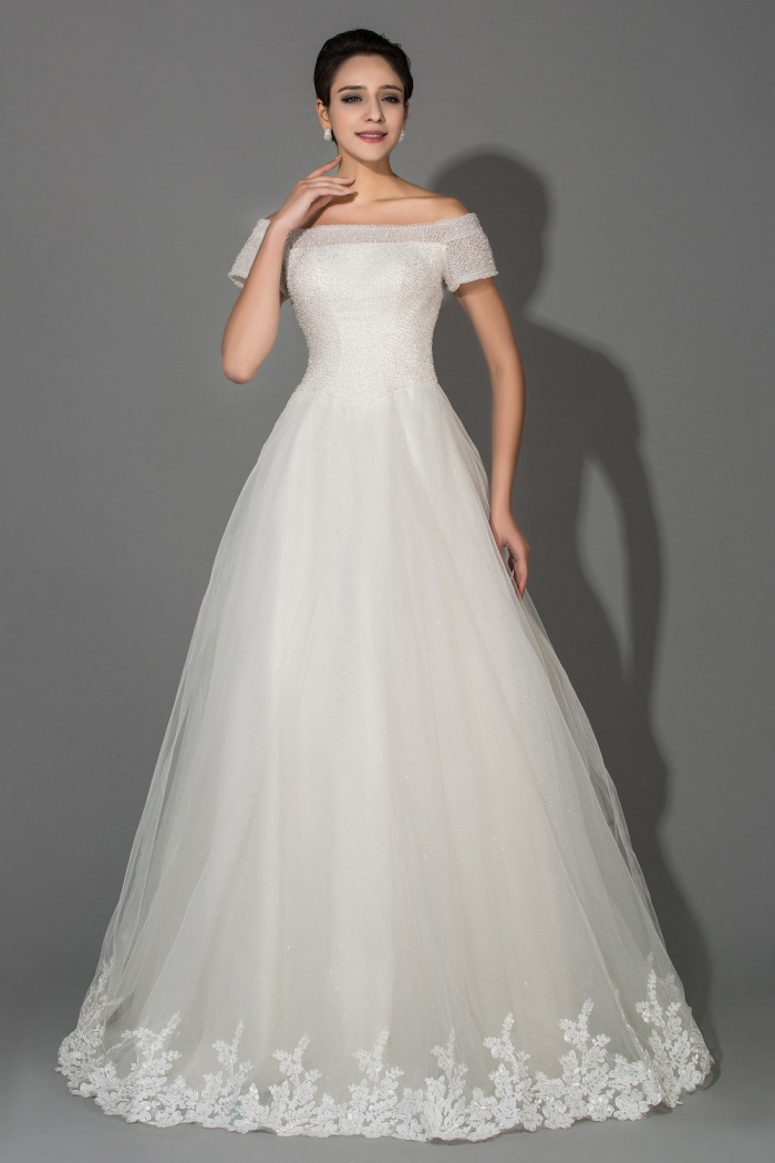 Off Shoulder Short Sleeve Ball Gown Princess Wedding Dresses With Beadings Crystal Elegant Tulle Gowns