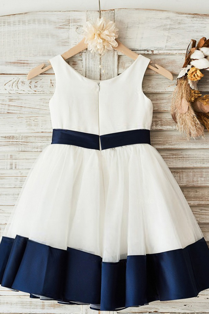 A line crew neck white flower girl dress with navy blue bow a line crew neck white flower girl dress with navy blue bow 1 mightylinksfo